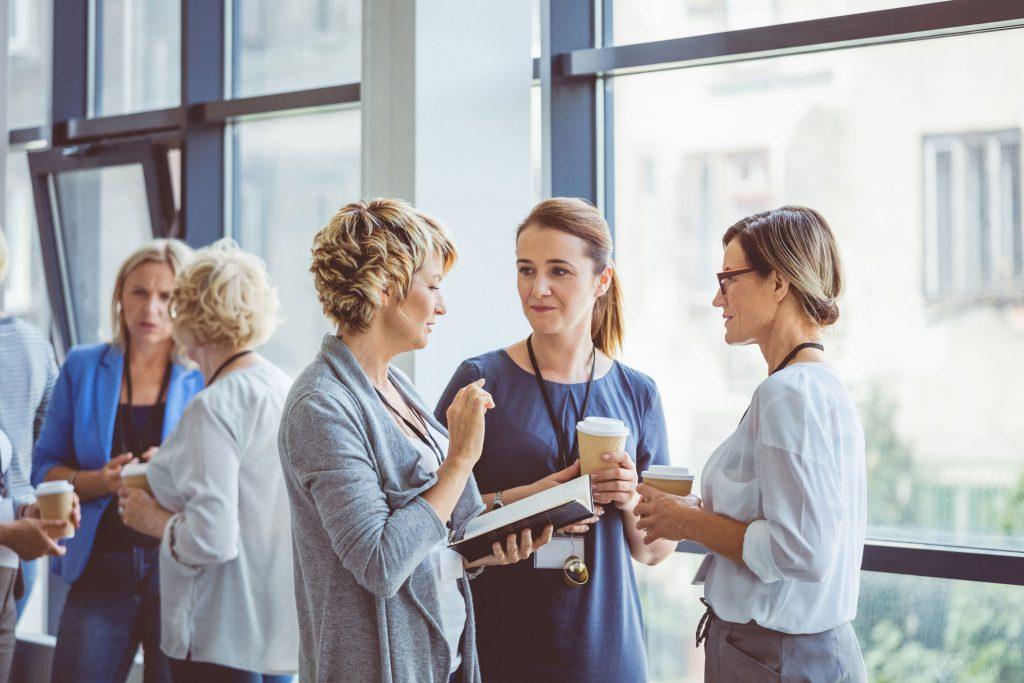 Hacer networking profesional es una herramienta esencial para los emprendedores